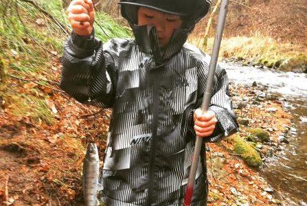 【子育て】渓流釣りを楽しみながら親子の絆を深め、命の尊さや食の大切さを学ぼう